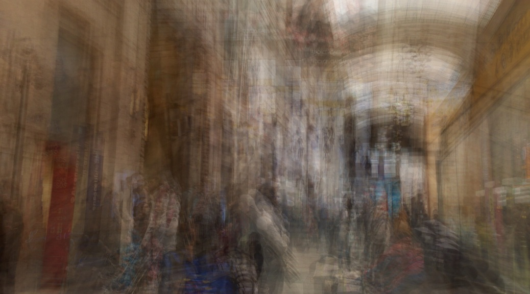 Multiple exposure of the Access Hall to the train Platforms. Photo by Eduardo Libby