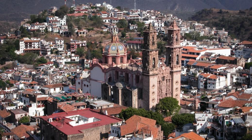 Image of Santa Prisca Church and Taxco de Alarcón. Photo by Eduardo Libby