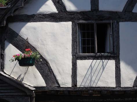 The oldest standing house in Winchester. Photo by Eduardo Libby