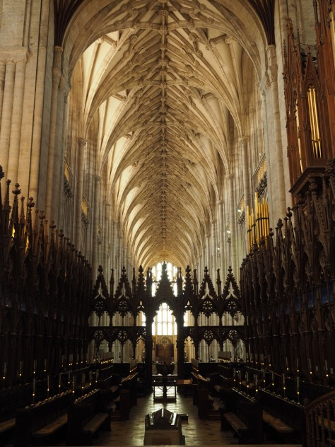Nave of Winchester Cathedral. Photo by Eduardo Libby