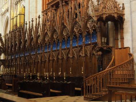 Choir-stalls of Winchester Cathedral. Photo by Eduardo Libby
