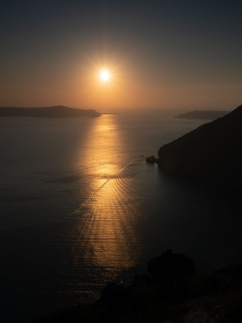 Sunset view from Fira, Santorini. Photo by Eduardo Libby