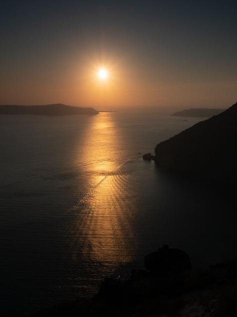 Sunset view from Fira, Santorini. Photo by Eduardo Libby